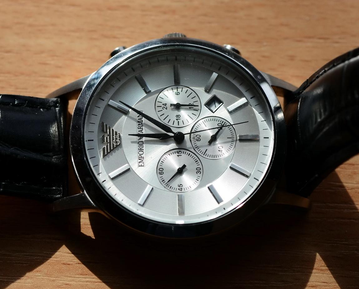 Поделка швейцарских часов