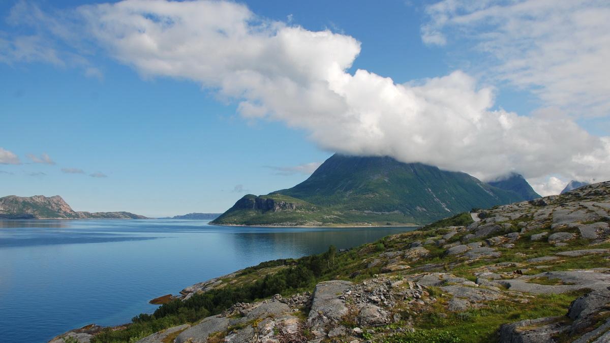 Жаркий Заполярный Хайкинг: 17-я Дорога, Bodø, Stetinden, Narvik, Лофотены, Сенья, Sommarøy, Tromsø. Июль-Август 2019
