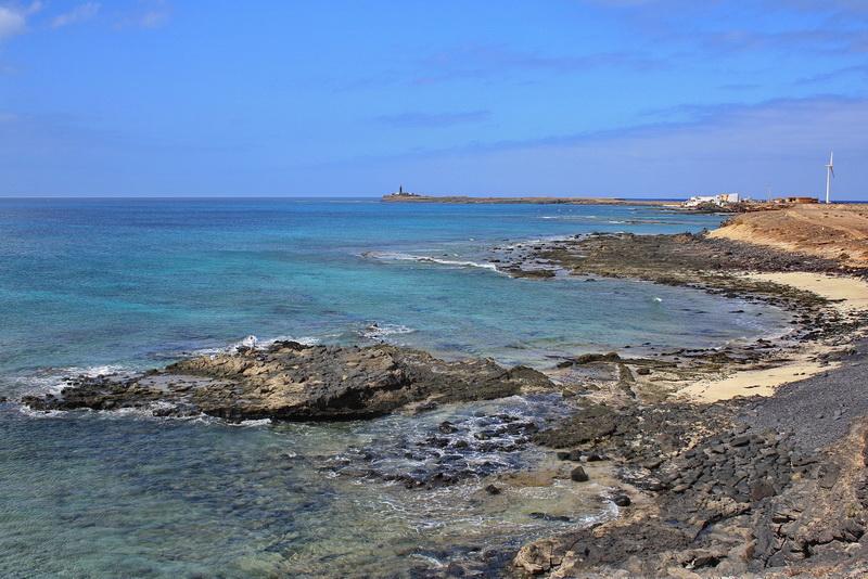 Лансароте и Фуэртевентура:достопримечательности, пляжи, Сезаре Манрике