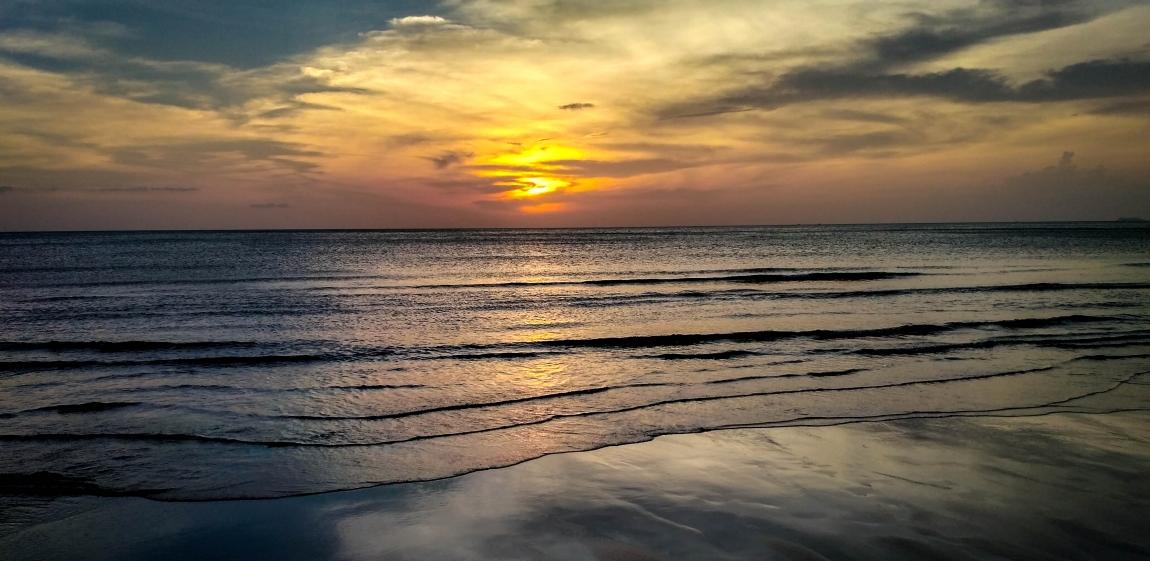 Посоветуйте пляж и отель на Ко Ланта.