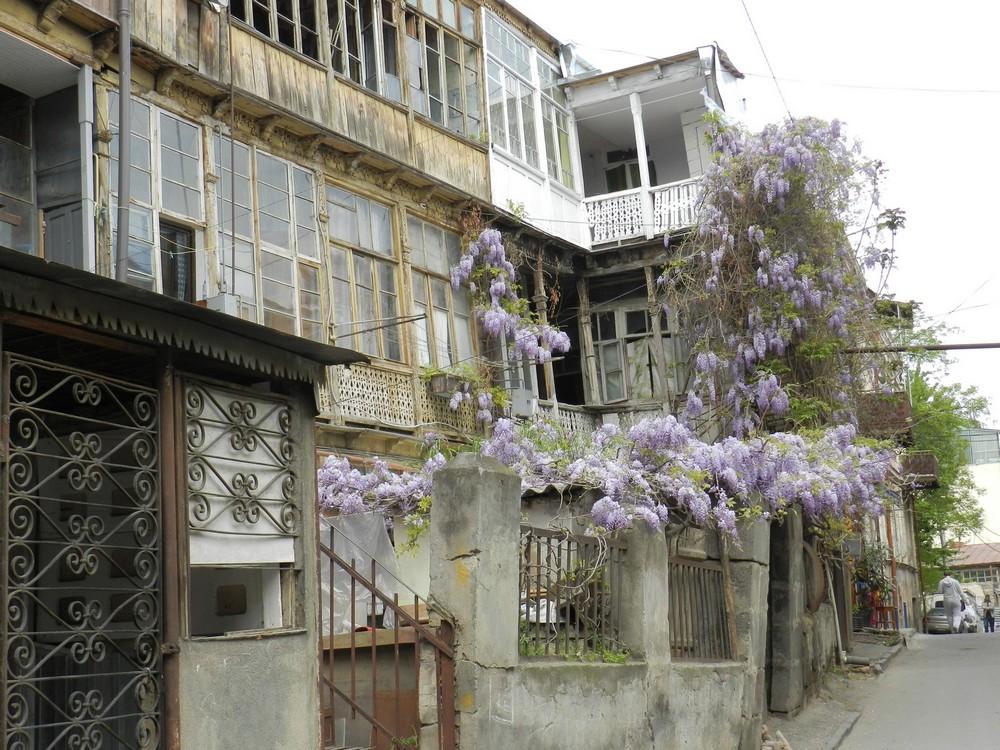 Грузия тбилиси сауна лабиринт для секса