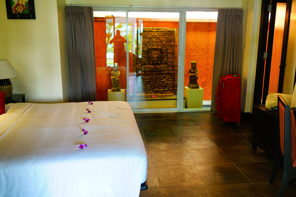 Пхукет: отель со свои пляжем Andaman White Beach отзыв Винского