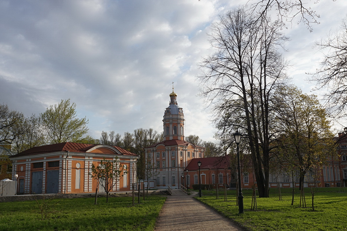 Пять очень ранних утренних субботних прогулок по майскому Санкт-Петербургу