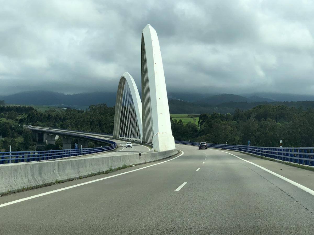 Поверхностные заметки о стремительном пробеге по северу Испании. С картинками.