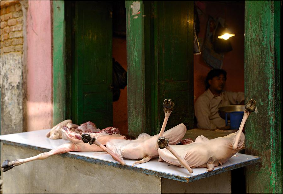 Фото девушек распятые девушки