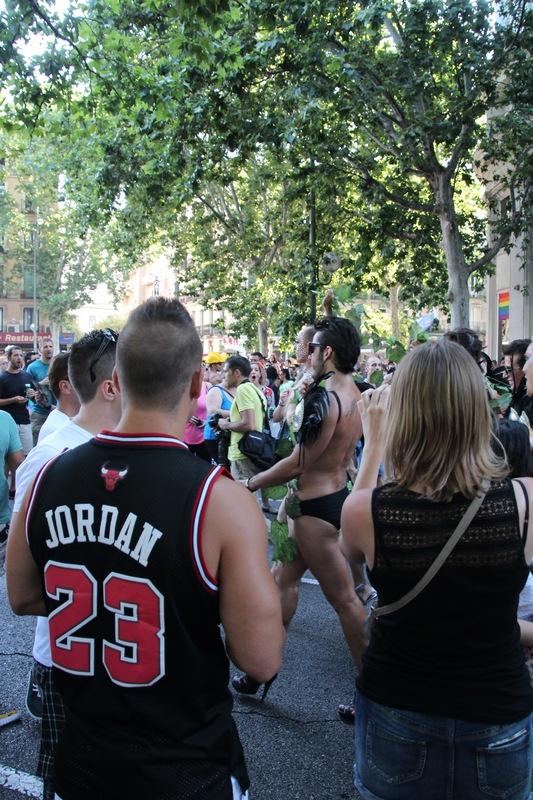 геи едут в москву к спонсорам