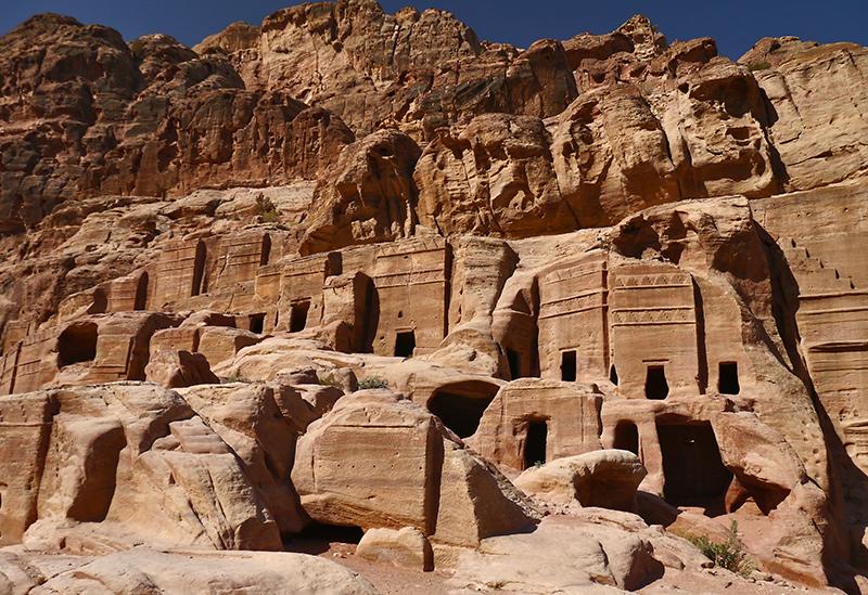 петра иордания графии