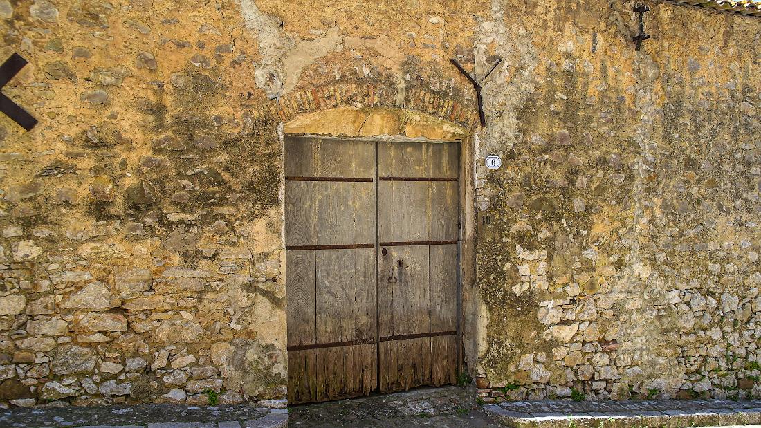 В деревню, в глушь на Сицилию холодной весной девятнадцатого