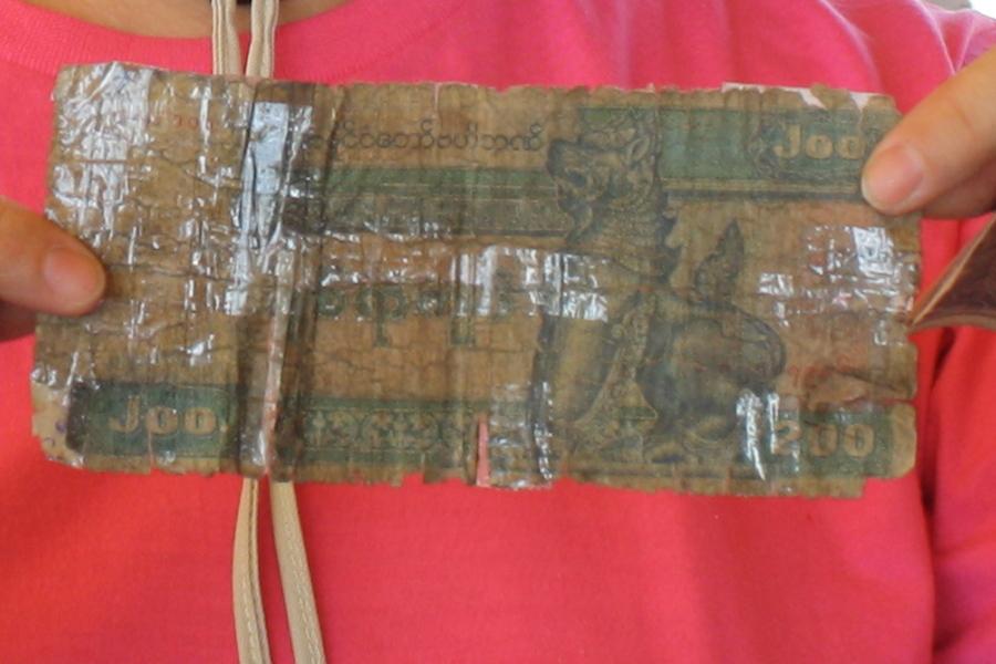 Обмен валюты в Мьянме. Что использовать - кьяты или доллары?