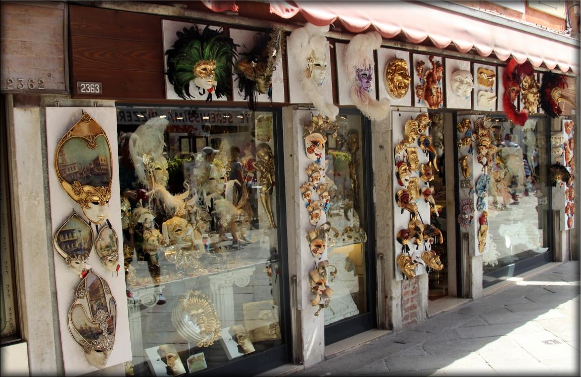 жена сувениры в венеции фото время
