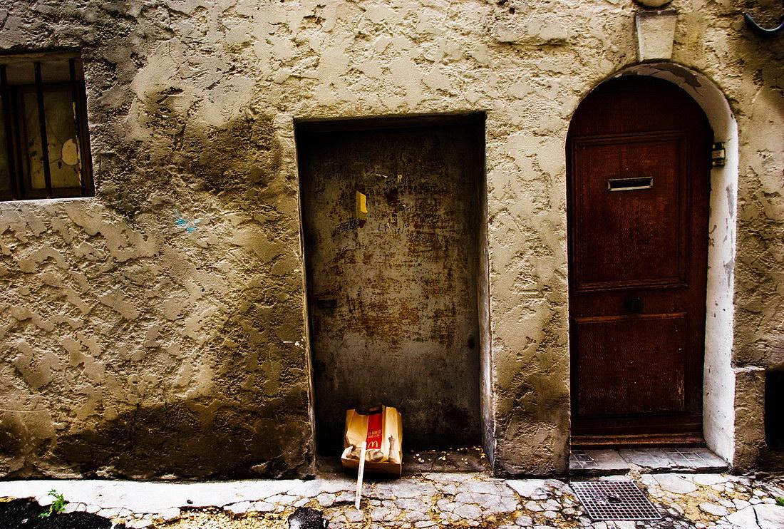 Углы и стены Лазурного берега. Практически только фото.