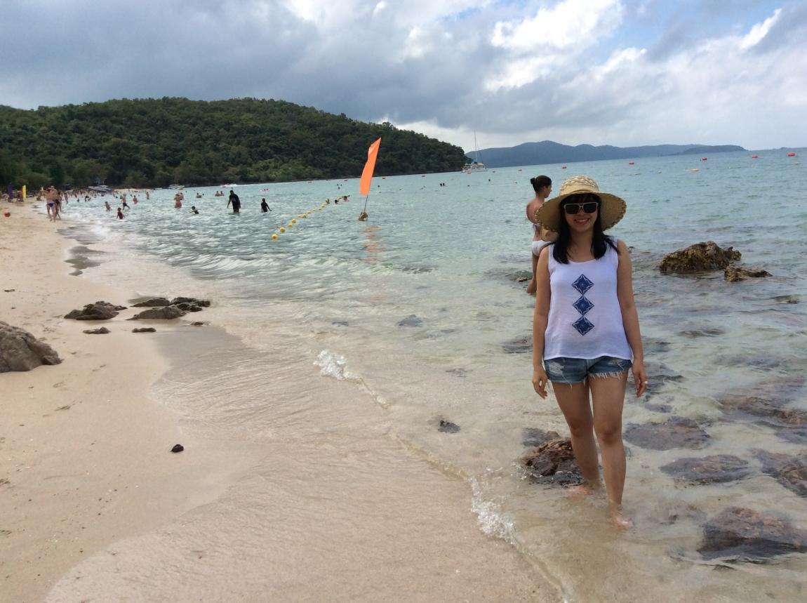 Голенькие девочки на пляже целки фото 595-950