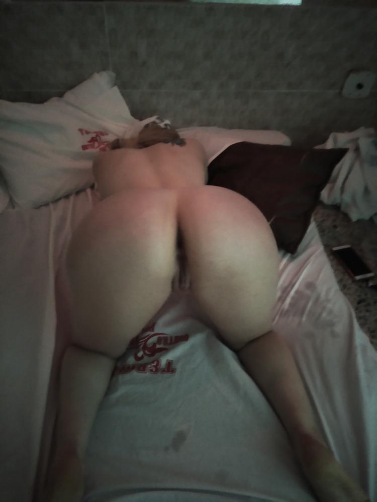 Русское порно русский парень трахнул девушку в аэропорту в зале ожидания