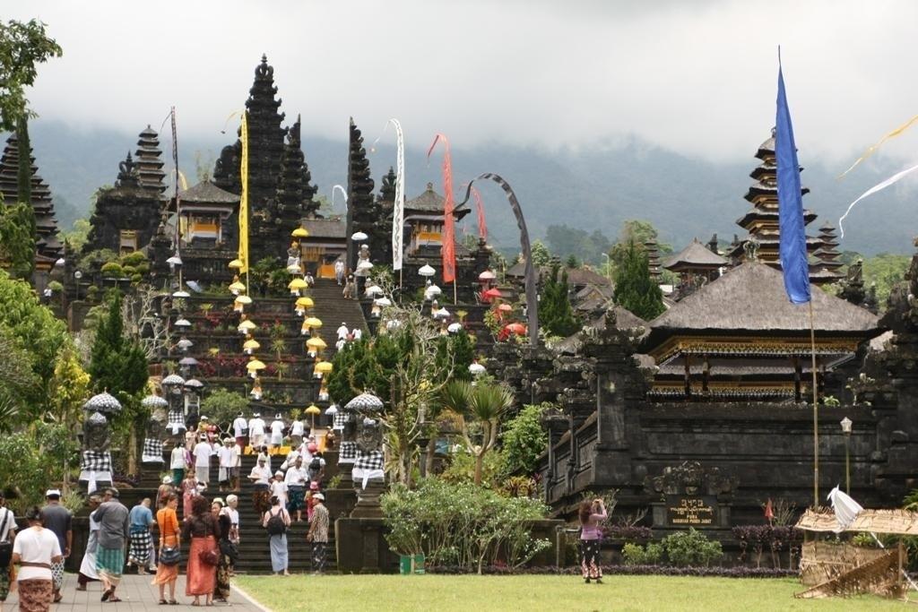 Азия в миниатюре: Ява, Флорес, Бали, Кракатау.