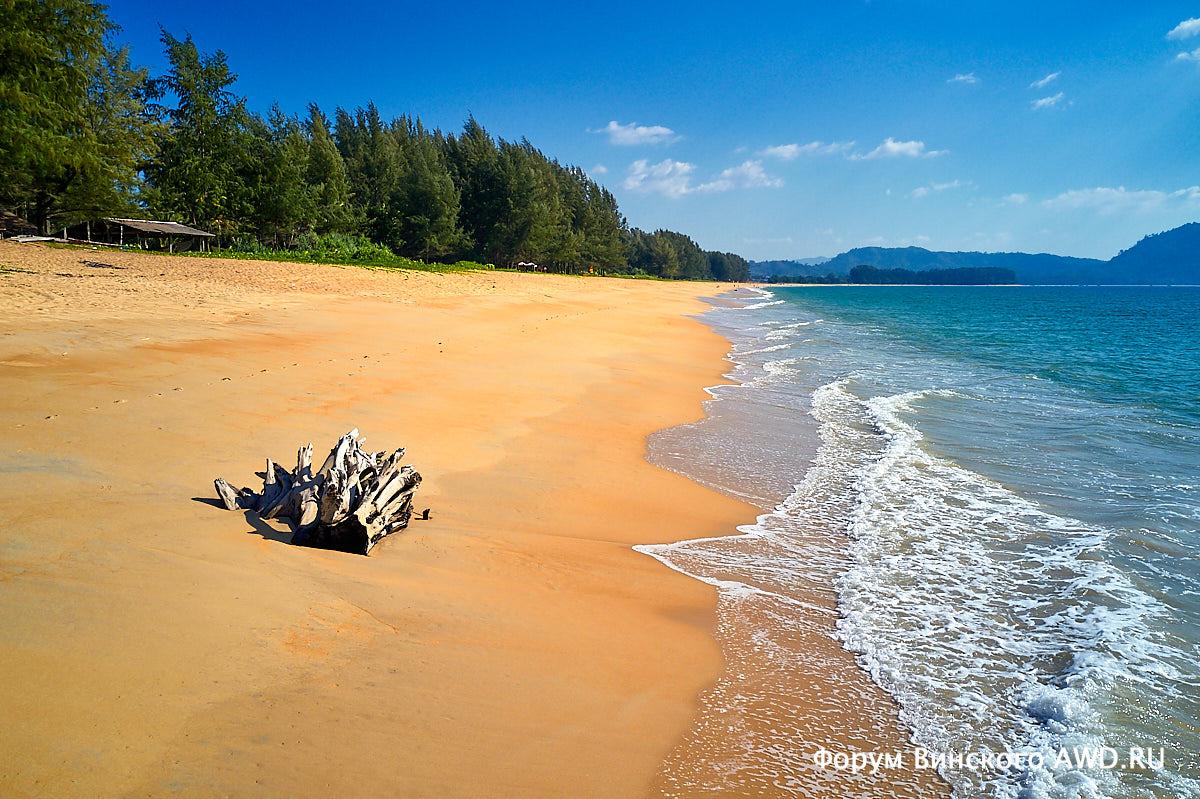 Пляж Май Кхао Пхукет в феврале 2019