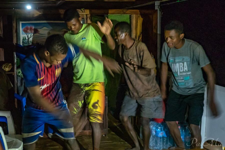 Пережить Мадагаскар или Зигзаг удачи по-малагасийски.