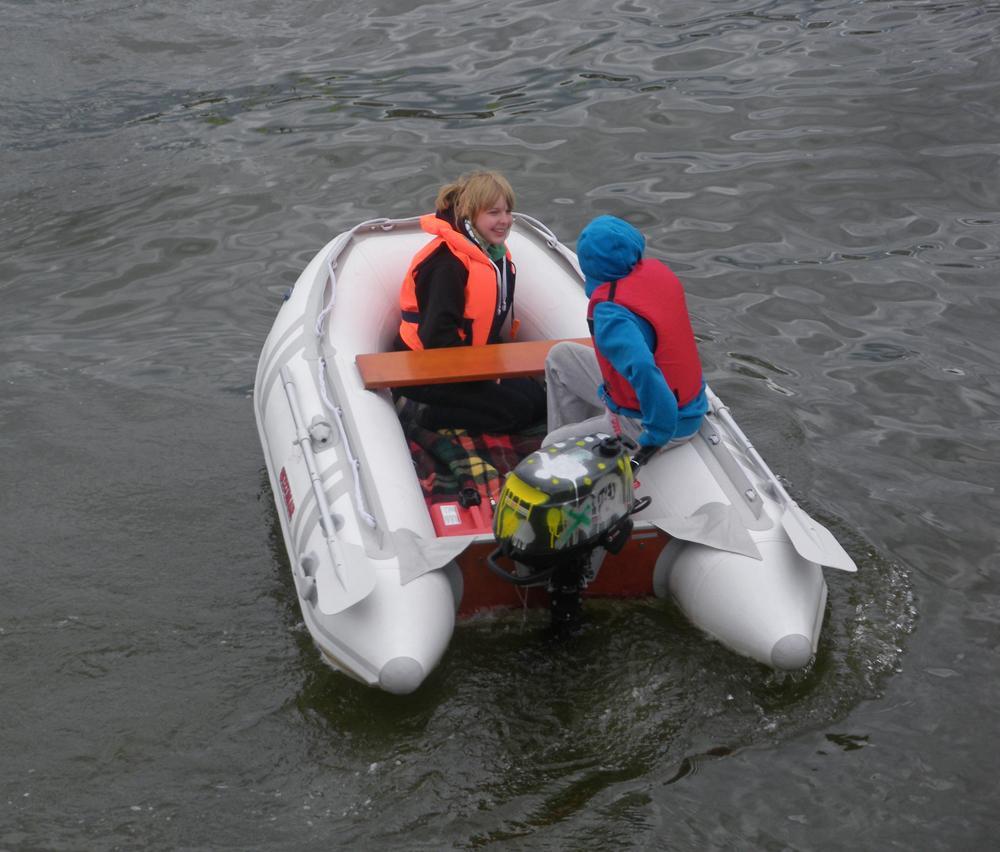 лодка с маховиком