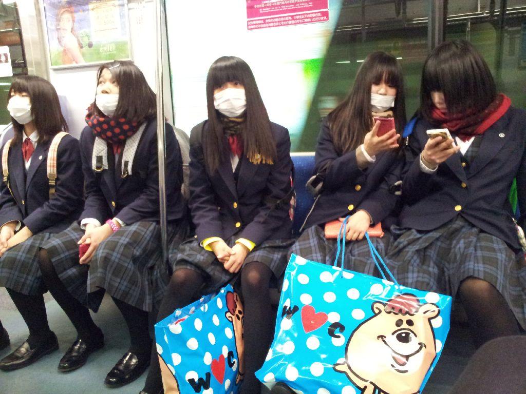 Японские школьнцы оттраханы парнями в маске фото 380-101