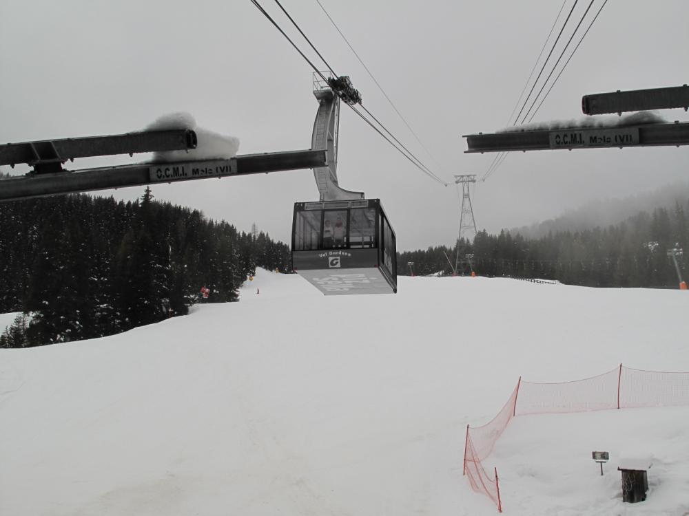 Италия: горнолыжный курорт Валь-Гардена. Декабрь, открытие сезона