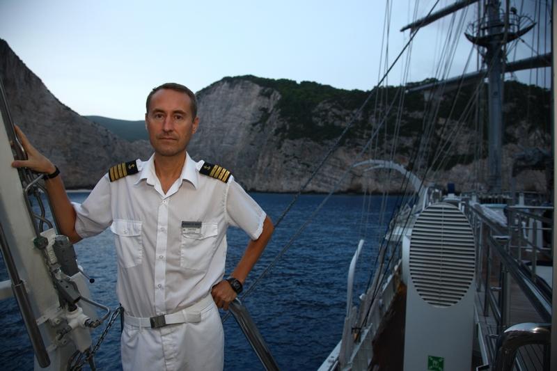 фото молодой капитан корабля из норвегии фотографий агадира