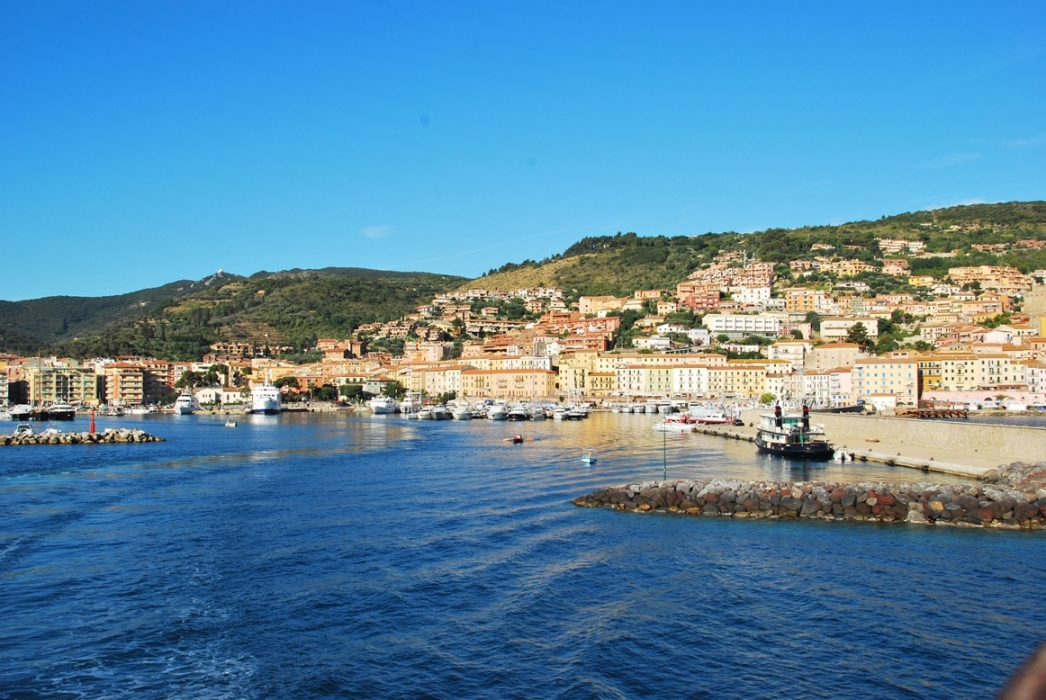 Property in Isola del Giglio to the sea